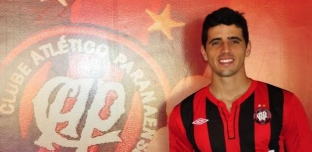 Dráusio, zagueiro recém-apresentado pelo Atlético-PR