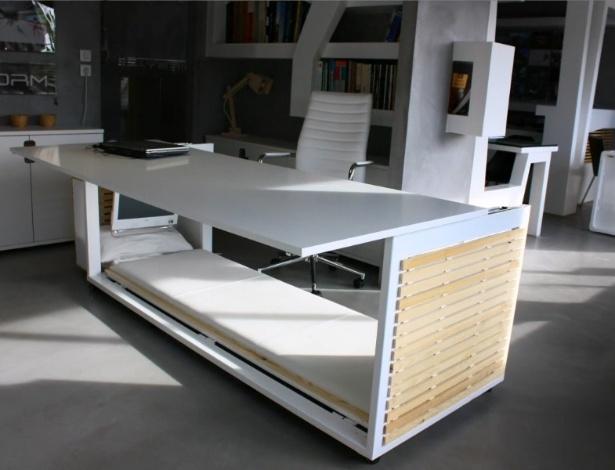 Aparador De Grama Tramontina Parou De Funcionar ~ Mesa de escritório que vira cama Fotos UOL Econ
