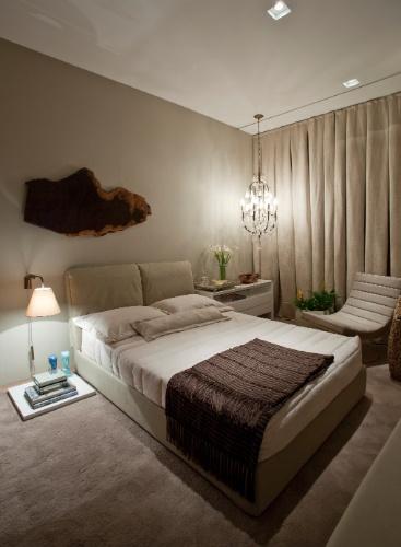 Aplicar tecidos no mobiliário, paredes e cortinas renova o ambiente; se inspi