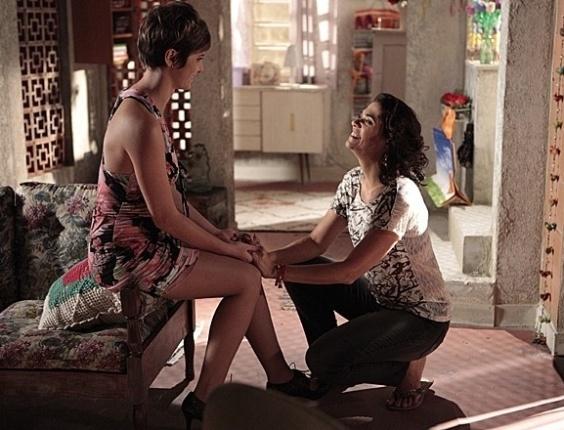 """10.mai.2013 - Em """"Salve Jorge"""", Aisha pede perdão a Delzuite"""