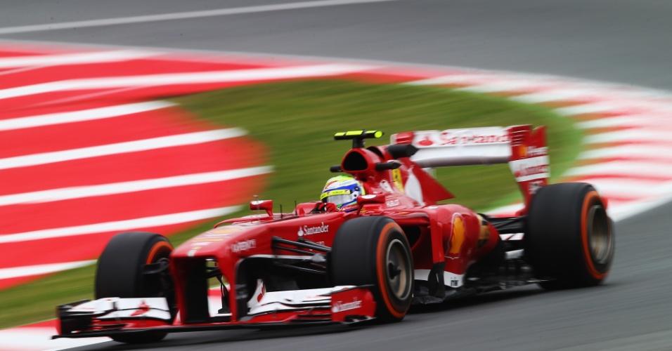 10.mai.2013 - Felipe Massa acelera sua Ferrari durante os treinos livres para o GP da Espanha