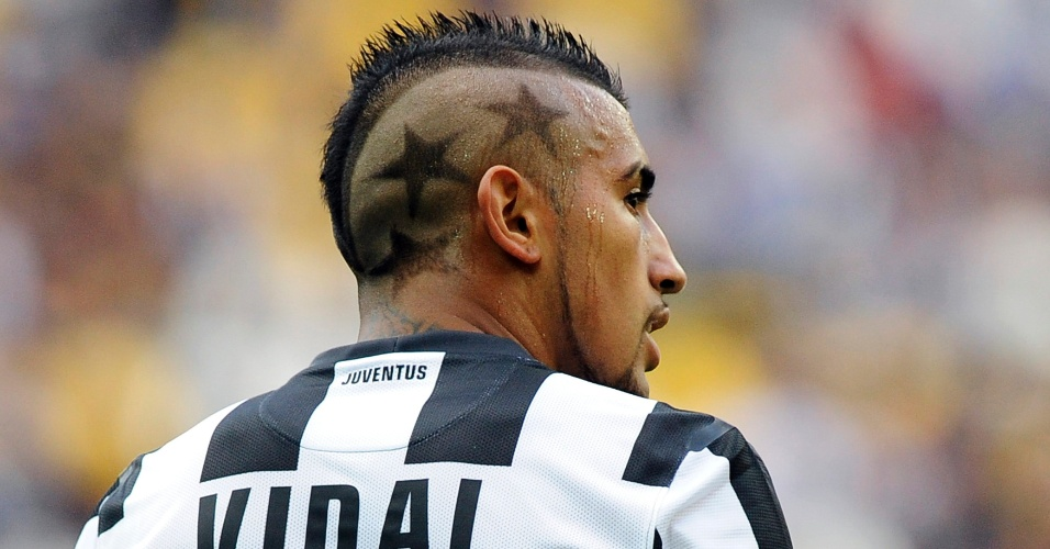 Meia chileno da Juventus, Vidal exibe seu penteado extico