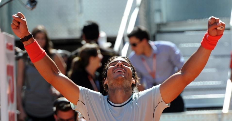 11.mai.2013 - Espanhol Rafael Nadal comemora vitória contra Pablo Andujar na partida pela semifinal do Masters de Madri
