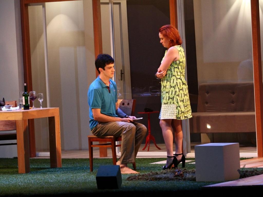 11.mai.2013 - Mateus Solano estreia a peça
