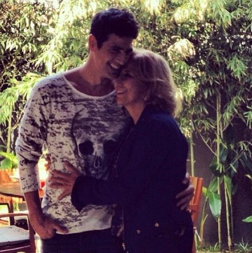11.mai.2013 - Reynaldo Gianecchini publicou foto ao lado da mãe em seu Instagram