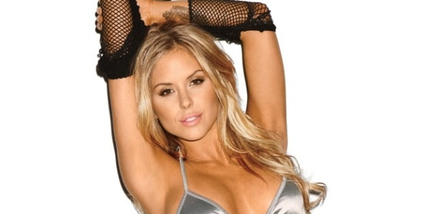 Brittney Palmer posa para a revista Maxim como a 67 mais sexy do planeta