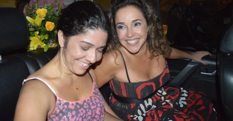 11.mai.2013 - Daniela Mercury chega acompanhada da mulher à festa Odara Ôdesce em que apresenta show da sua turnê Canibália em Recife