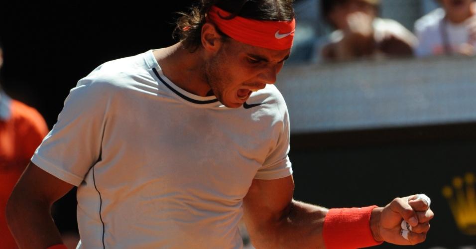 12.mai.2013 - Rafael Nadal comemora ponto na partida contra o suíço Stanislas Wawrinka na final do Masters 1000 de Madri