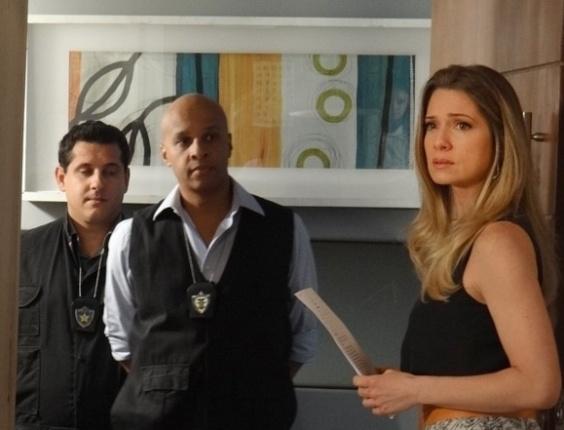 """Em """"Salve Jorge"""", Antonia recebe ordem de prisão"""