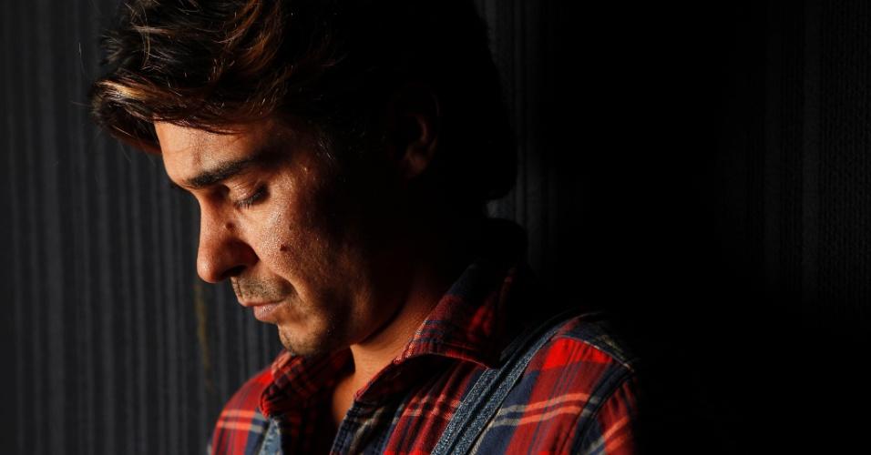 11.mai.2013 - André Gonçalves recebeu a reportagem do UOL no Teatro Antonio Fagundes, no Rio. Em
