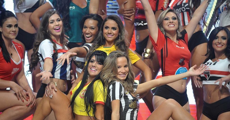 13.05.2013 - Gatas do Paulistão desfilaram nesta segunda-feira na sede da Federação Paulista de Futebol