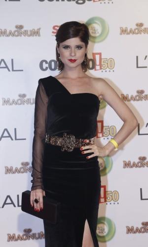 """13.mai.2013 -  A atriz Julianne Trevisol, destaque em """"Balacobaco"""", participa do 15º Prêmio Contigo!, no Copacabana Palace, no Rio de Janeiro"""