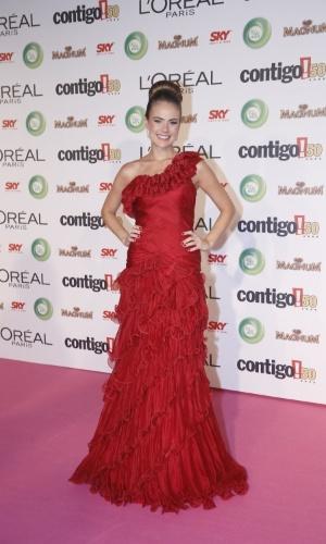13.mai.2013 - A atriz Thais Pacholek usa vermelho para participar do 15º Prêmio Contigo!, no Copacabana Palace, no Rio de Janeiro