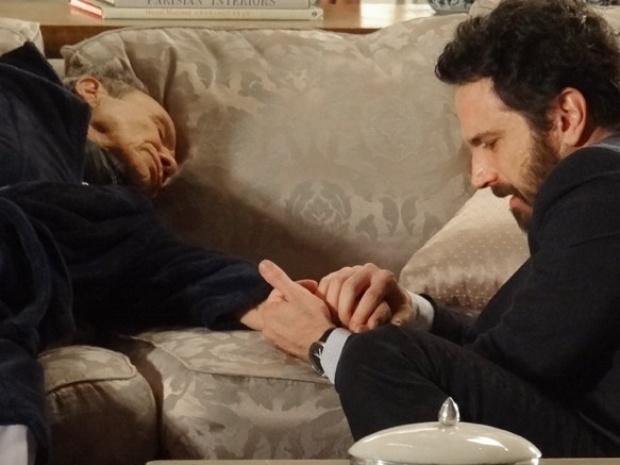 """Em """"Salve Jorge"""", Arturo morre depois de descobrir que Celso não é seu filho"""