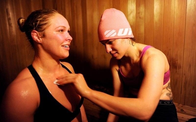 Ronda e Marina são inseparáveis e se ajudam principalmente nos treinos e na preparação para as lutas de MMA