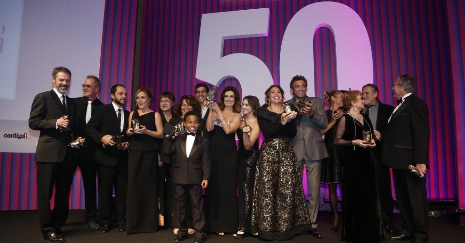 13.mai.2013 - Premiados da 15ª edição do Prêmio Contigo! de TV posam para fotos no Copacabana Palace, Rio de Janeiro