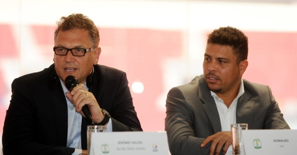 Vistoria dos membros do comit organizador e da FIFA, Jrme Valcke, no estdio em Braslia, que ser palco da abertura da Copa das Confederaes, dia 15 de junho. Visita foi acompanhada por Ronaldo, Bebeto e do Ministro do Esporte Aldo Rebelo. Valcke exaltou o trabalho efetuado no estdio Man Garrincha. 