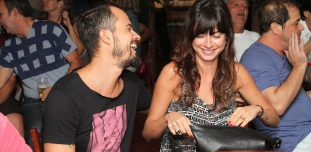 14 mai.2013 - Paulo Vilhena e Thaila Ayala se divertem