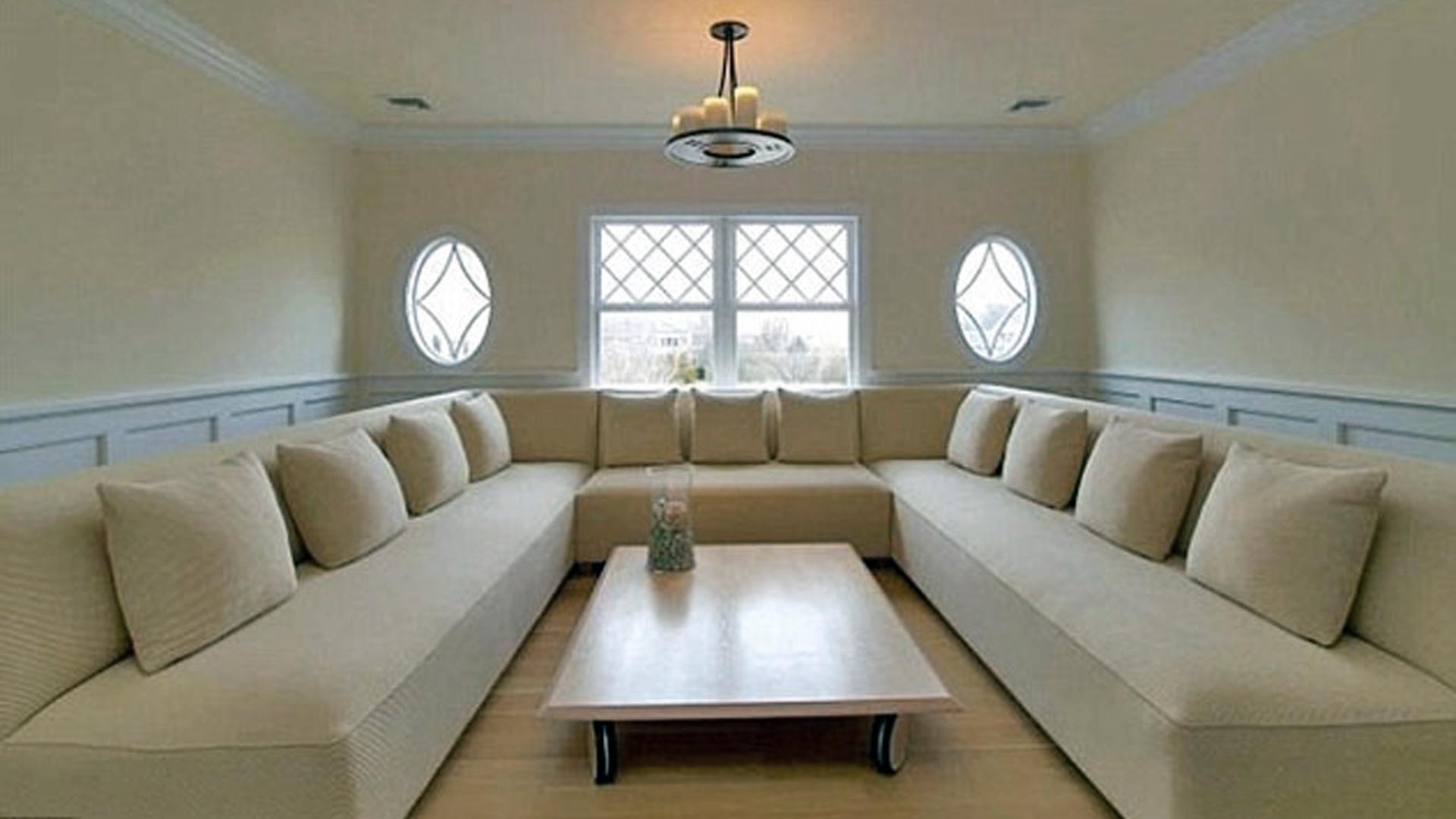 15.mai.2013 - A cantora Jennifer Lopez comprou uma mansão de US$ 10 milhões nos Hamptons, balneário localizado em Nova York. A propriedade possui oito quartos e sete banheiros