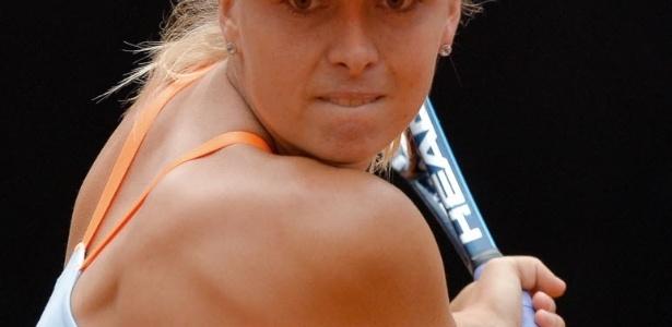 15.mai.2013 - Maria Sharapova se concentra no jogo contra a espanhola Garine Muguruza em Roma