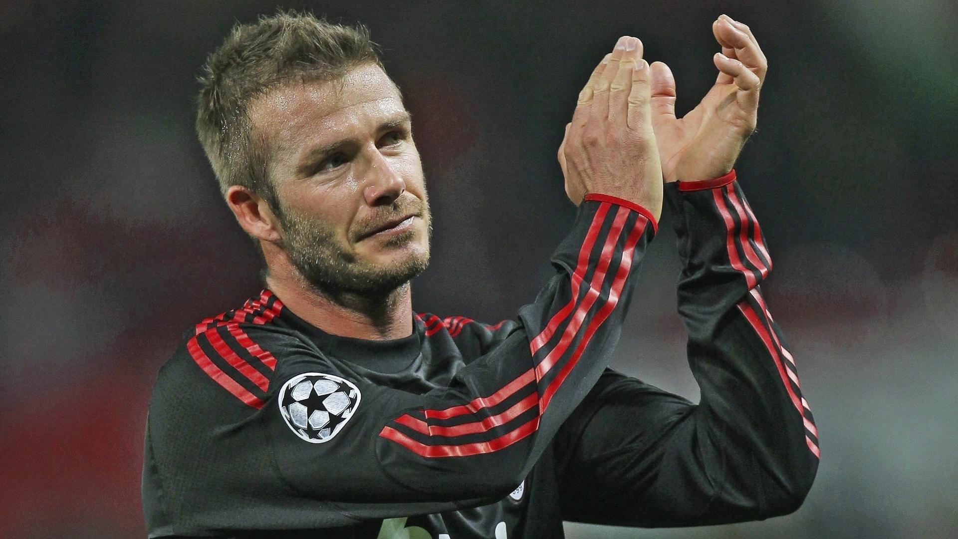 10.mar.2010 - David Beckham e seu cabelo espetado dos tempos do Milan, em 2010