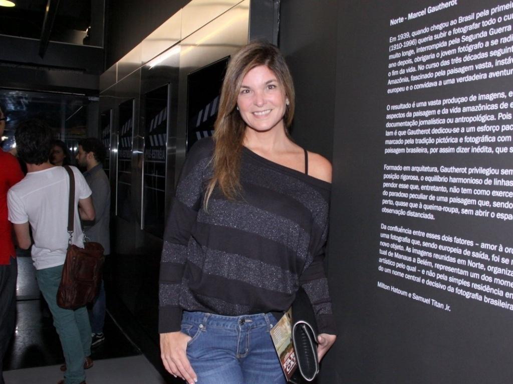 16.mai.2013 - A atriz Cristiane Oliveira durante a pré-estreia de
