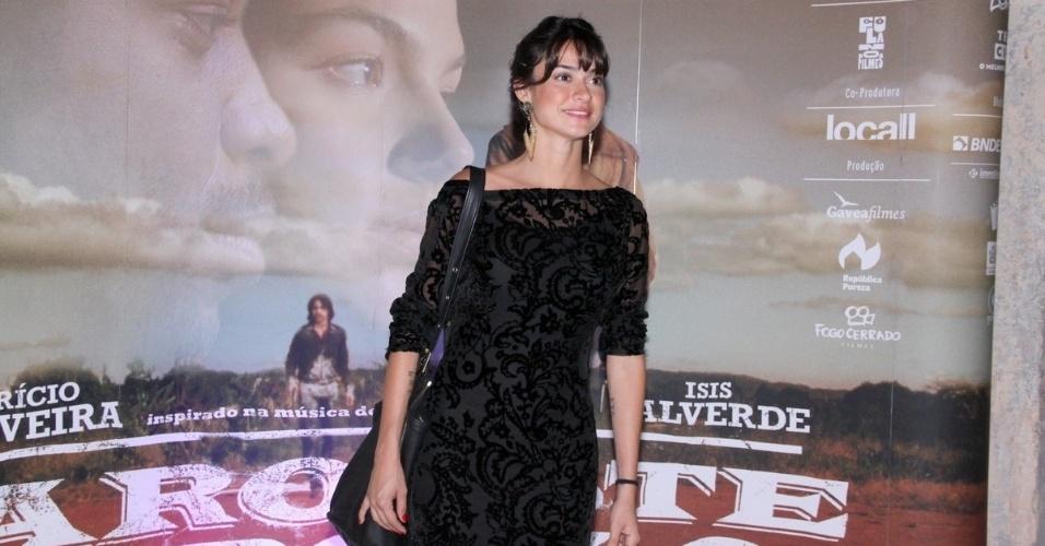 16.mai.2013 - Thaila Ayala durante a pré-estreia de