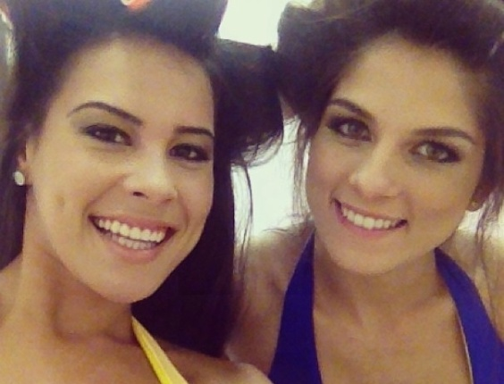 Camila Oliveira e Aline Franzoi nos bastidores do UFC SP, em janeiro