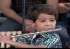 """Júnior de """"Salve Jorge"""" toca flauta no """"Encontro"""" e emociona atores - Reprodução/TV Globo"""