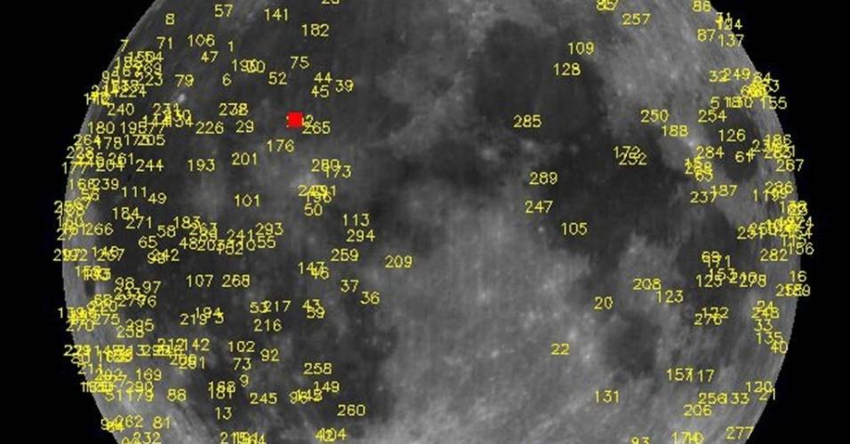 17.mai.2013 - Telescópio que monitora lua captura imagens de uma rocha de 40 quilos chocando-se contra a superfície lunar e criando um flash de luz. A explosão, que ocorreu em 17 de março, foi a maior registrada desde que a Nasa começou a controlar os impactos de meteoritos na lua, há oito anos