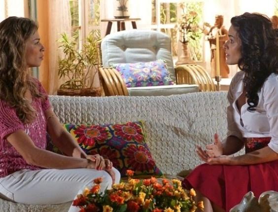 """18.mai.2013 - Em """"Flor do Caribe"""", Ester dá fora em Cristal ao ouvir pedido de desculpa"""