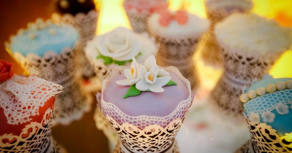 16.mai.2013 - Cupcake decorado da Delart Doces Finos (www.delartdocesfinos.blogspot.com.br), por R$ 5 (unidade). Preço consultado em maio de 2013 na feira Expo Noivas & Festas (SP) e sujeito a alterações