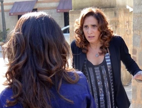"""No último capítulo de """"Salve Jorge"""", Wanda tenta fugir da boate, mas encontra Morena"""