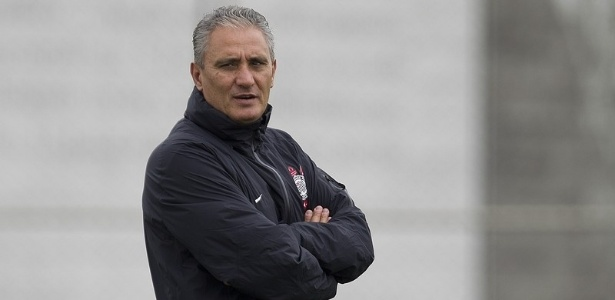 18.05.2013 - Tite, tcnico do Corinthians, comanda o ltimo treino do time antes da final do Paulista contra o Santos