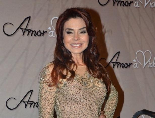 """18.mai.2013 - Françoise Forton na festa organizada pela Globo em um restaurante de SP para promover a novela """"Amor à Vida"""""""