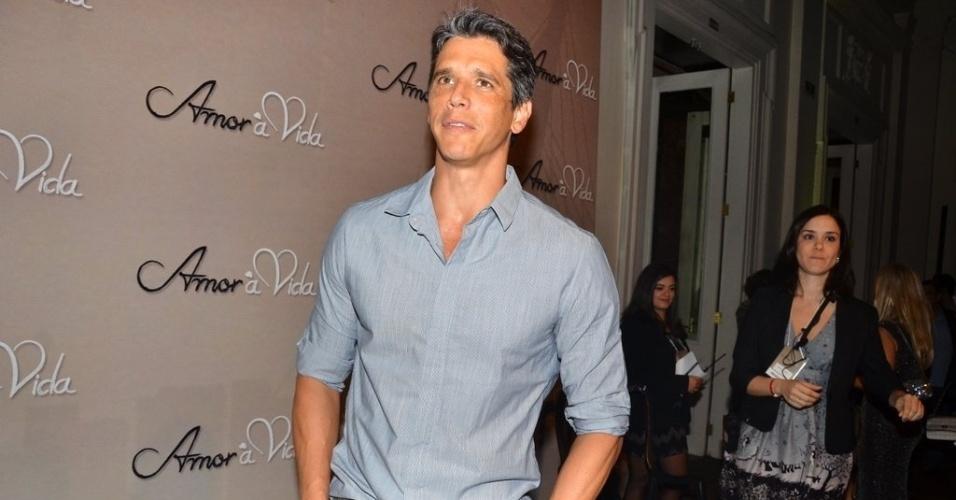 """18.mai.2013 - Márcio Garcia na festa organizada pela Globo em um restaurante de SP para promover a novela """"Amor à Vida"""""""