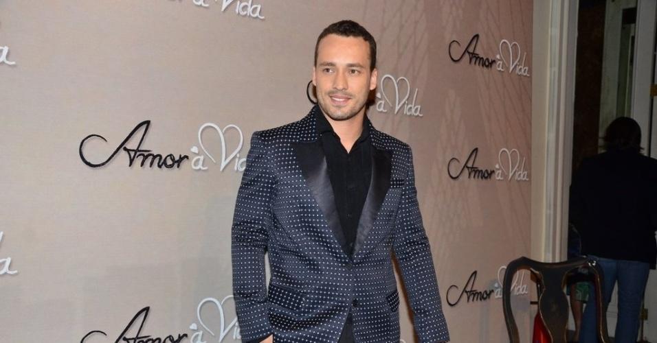 """18.mai.2013 - Rodrigo Andrade na festa organizada pela Globo em um restaurante de SP para promover a novela """"Amor à Vida"""""""