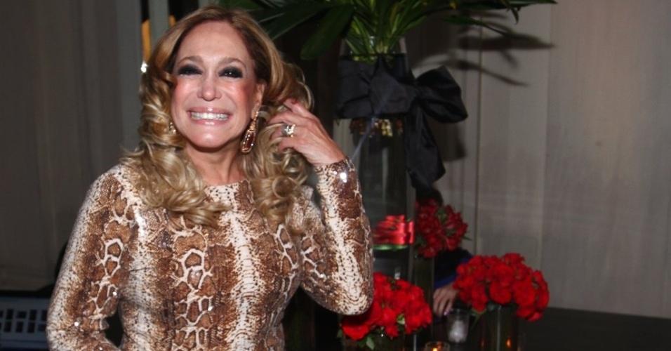 """18.mai.2013 - Susana Vieira na festa organizada pela Globo em um restaurante de SP para promover a novela """"Amor à Vida"""""""