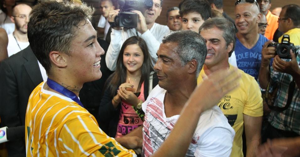 18.maio.2013 - Romário se emocionou com título do filho