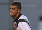 Vasco vence Figueirense com jogador a menos aps leso de Renato Silva