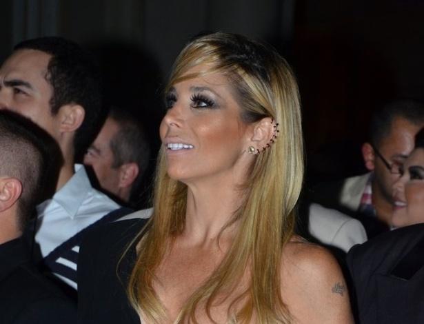 18.mai.2013 - Danielle Winits na festa organizada pela Globo em um restaurante de SP para promover a novela