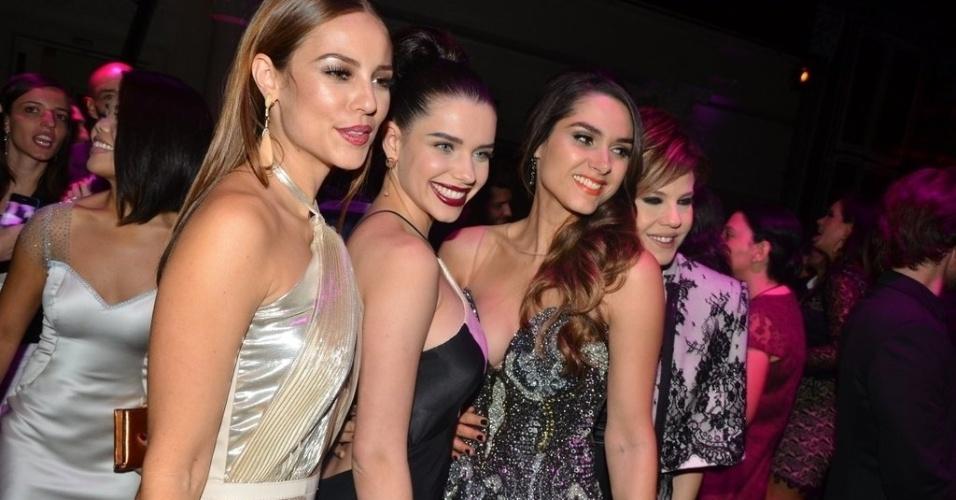 18.mai.2013 - Paolla Oliveira, Bruna Linzmeyer e Fernanda Machado posam para fotos na festa de lançamento da novela