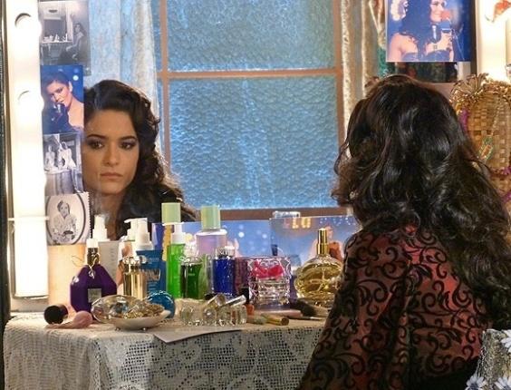 """Em """"Flor do Caribe"""", Cristal decide ir embora de Vila dos Ventos para tentar esquecer Cassiano"""
