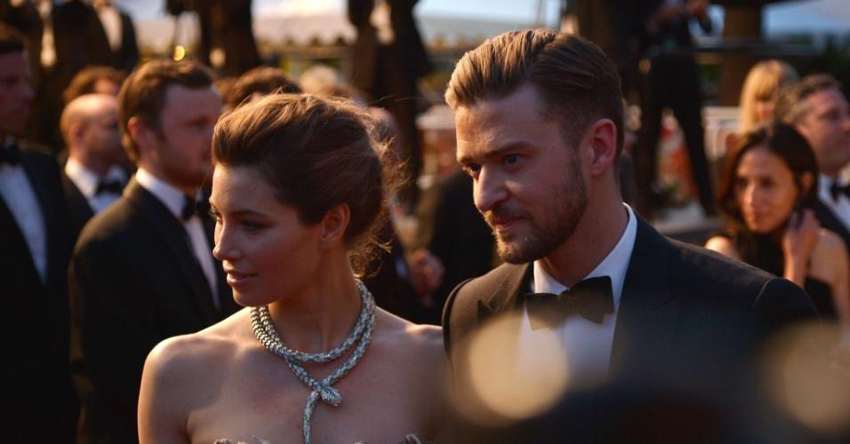 """19.mai.2013 - O casal Jessica Biel e Justin Timberlake no tapete vermelho do filme """"Inside Llewyn Davis"""", dos irmãos Coen, em Cannes"""