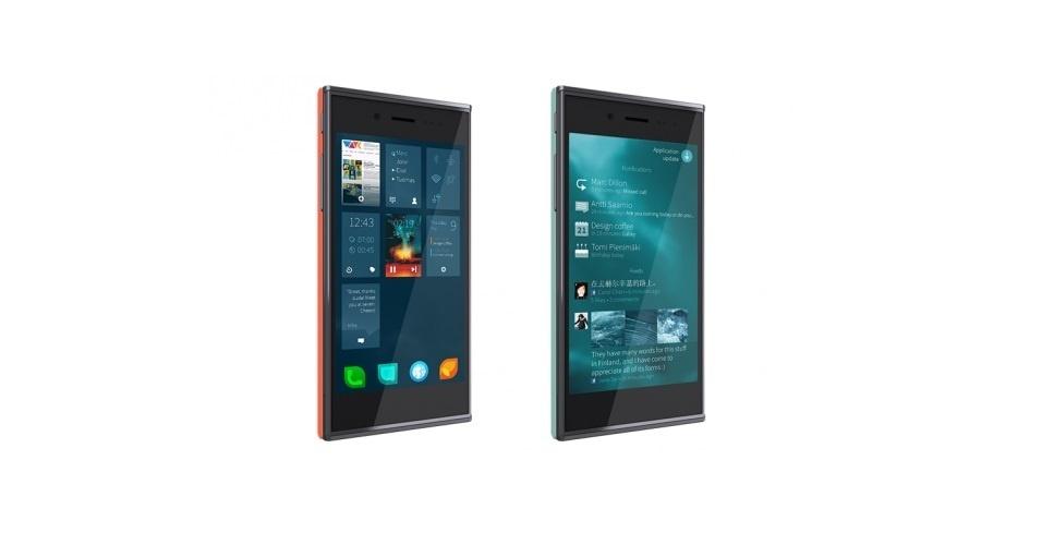 20.mai.2013 - O Jolla, smartphone desenvolvido pela empresa com mesmo nome, possui tela de 4,5 polegadas, processador dual-core, 16GB de armazenamento com suporte a microSD e câmera traseira de 8 megapixels. O preço sugerido é 399 Euros (cerca de R$1.050). O smartphone utiliza o sistema Sailfish OS, que descende do antigo MeeGo, abandonado pela Nokia - a Jolla é formada por ex-funcionários da Nokia. O dispositivo deve chegar ao mercado no fim do ano