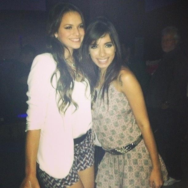 20.mai.2013 - Bruna Marquezine e a cantora Anitta prestigiram a festa de aniversário de 20 anos de Giovanna Lancellotti