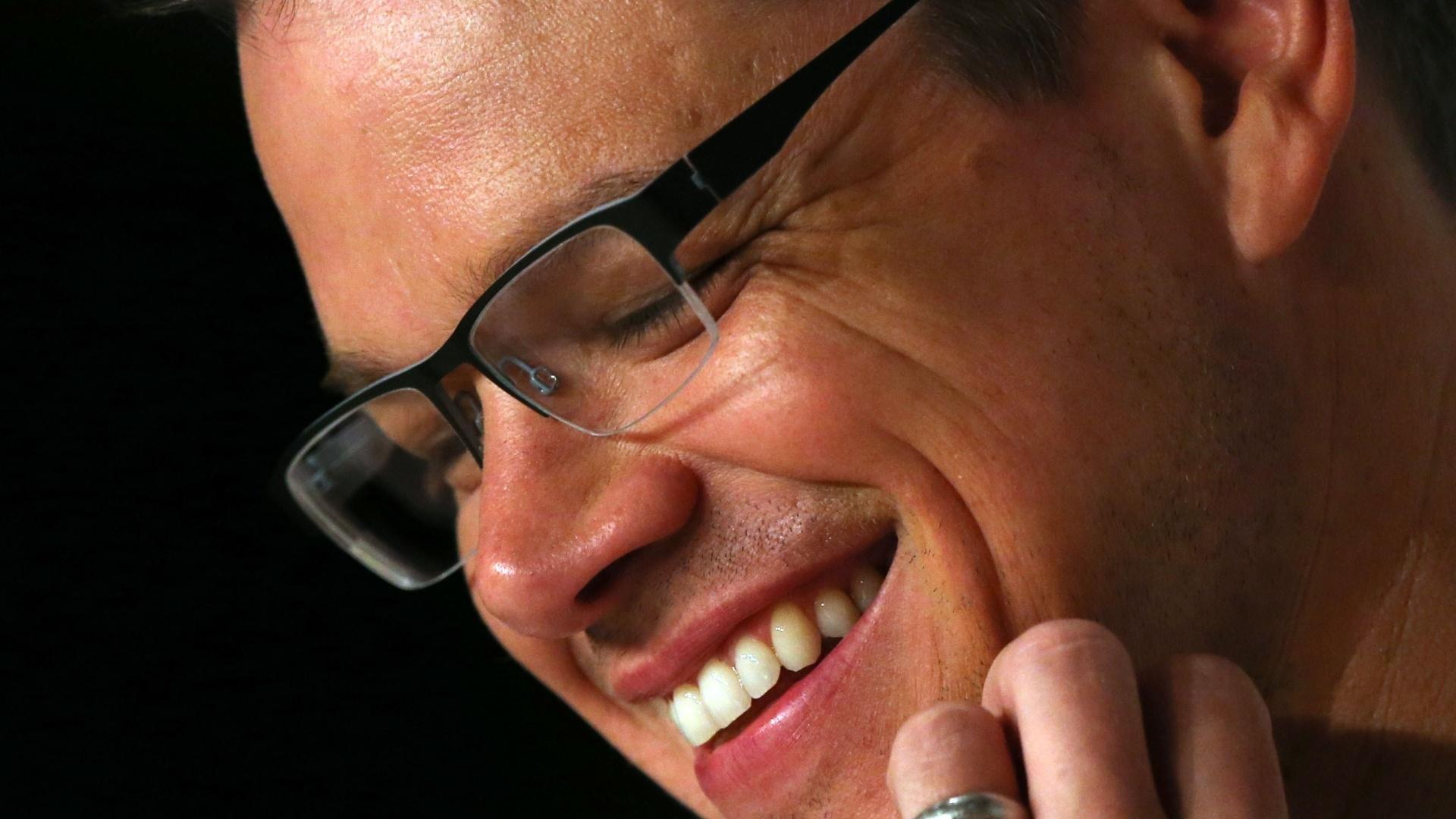 21.mai.2013 - Matt Damon sorri durante entrevista coletiva sobre