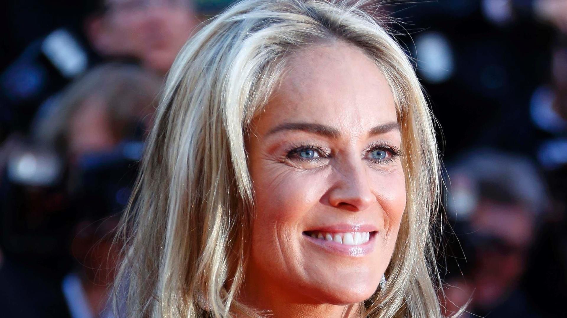 21.mai.2013 - Sharon Stone chega para a exibição de