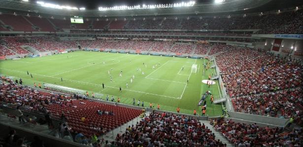Arena Pernambuco recebeu 1º jogo entre profissionais com amistoso entre Náutico e Sporting-POR