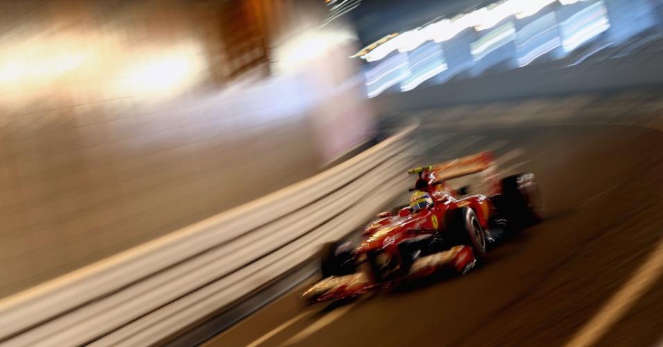 23.mai.2013 - Felipe Massa acelera dentro do túnel do circuito de rua de Monte Carlo durante os treinos para o GP de Mônaco